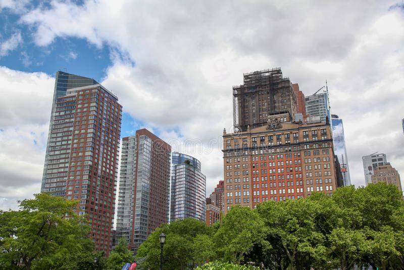 新的约克6月16,2018:buliding在纽约的大办公室靠近巴特里公园在美国 库存图片