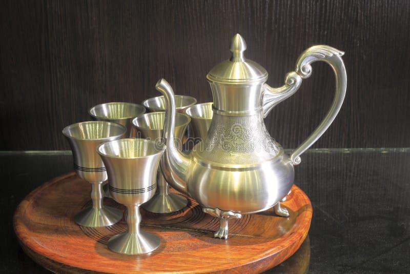 新的罐子茶具 免版税图库摄影