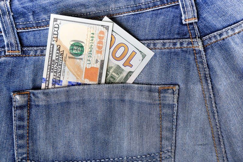 新的美国一百元钞票放入循环在10月20日 免版税库存图片