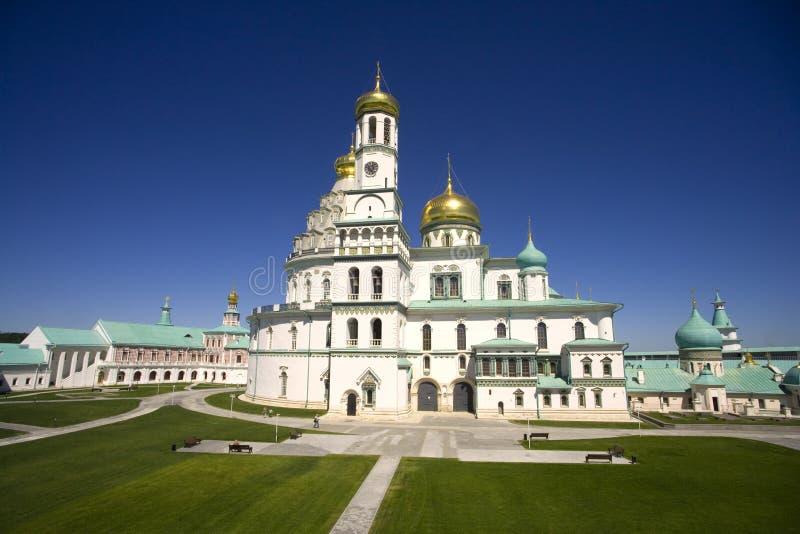 新的耶路撒冷修道院是正统十字架,圣地的钟楼的金黄圆顶的修道院 免版税库存图片