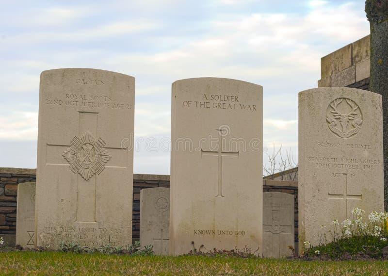 新的英国公墓在富兰德调遣巨大战争 库存图片