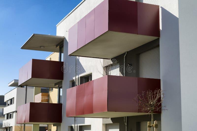 新的豪华公寓,顶楼房屋 免版税图库摄影