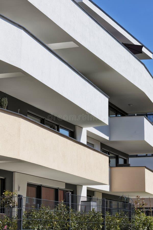 新的豪华公寓,顶楼房屋 库存照片