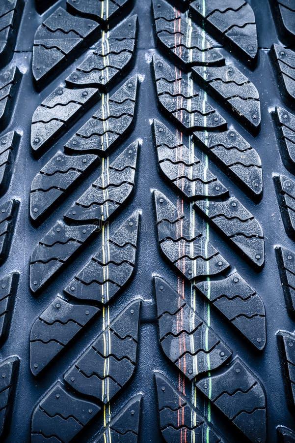 新的车,汽车轮胎,轮胎的片段。 免版税图库摄影