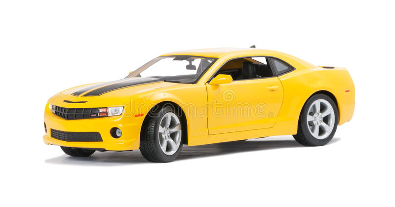 新的黄色式样跑车 免版税库存照片