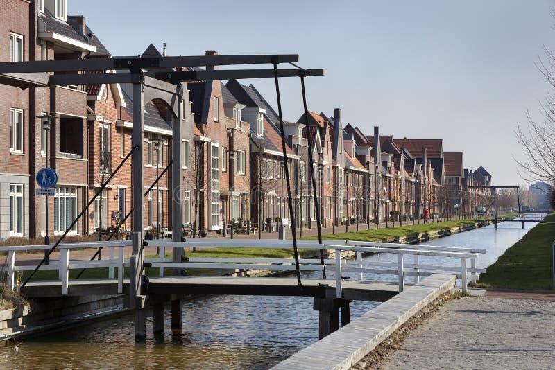 新的建造的经典房子 免版税库存照片