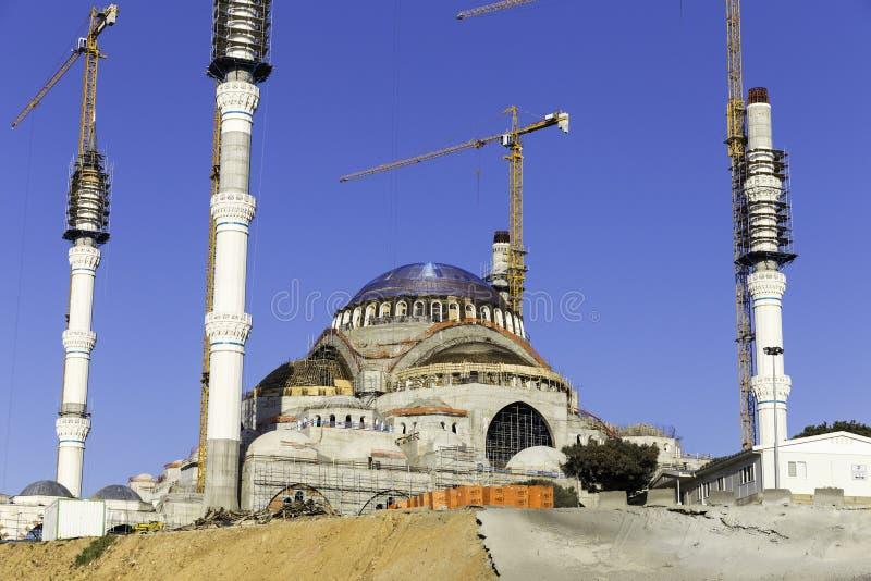 新的Camlica清真寺特写镜头, Camlica小山位于土耳其 库存照片