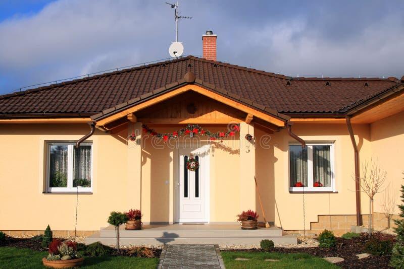 新系列友好的房子 免版税库存图片