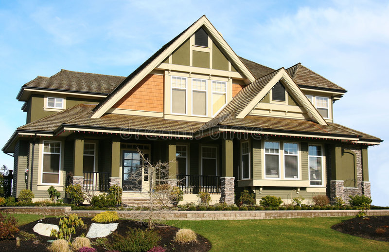 新美丽的房子 免版税库存照片