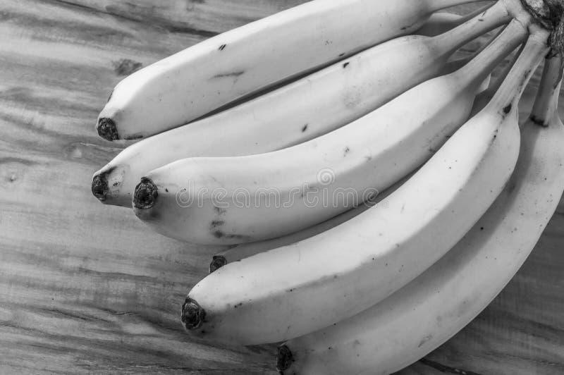 新自然香蕉束黑白样式 免版税图库摄影