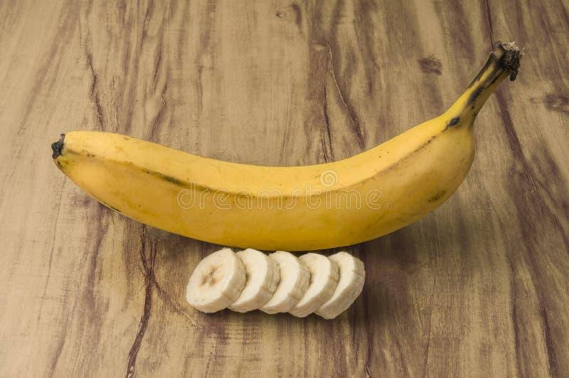 新自然香蕉束 免版税库存图片