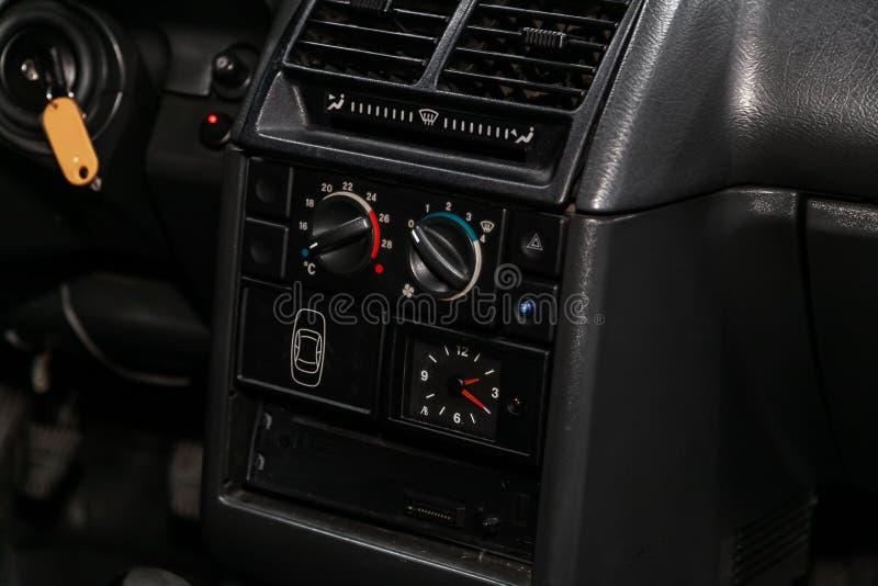 新西伯利亚,俄罗斯– 2019年7月12日:Lada 2110 免版税库存图片