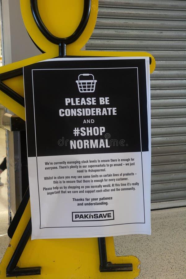 新西兰克赖斯特彻奇市 — 2020年3月23日:Covid-19之前48小时锁定 免版税库存图片