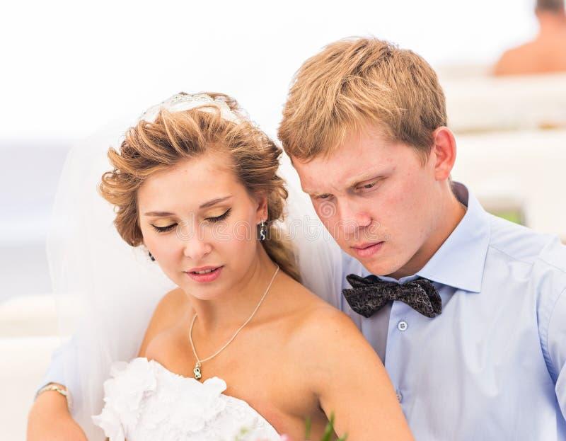 新郎和新娘画象 免版税库存照片