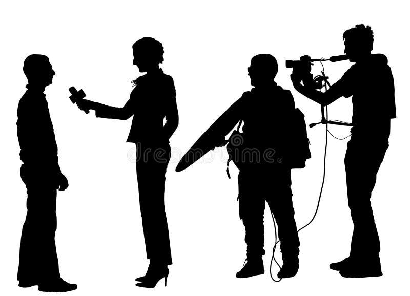 新闻工作者新闻与摄象组剪影的记者采访 库存例证