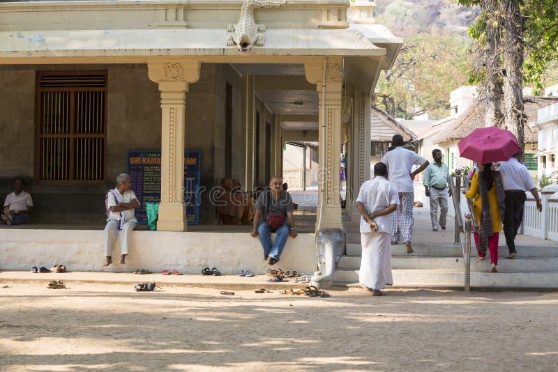 新闻纪录片的社论 Sri Ramana Maharshi, Tiruvannamalai,泰米尔纳德邦,印度- 3月聚会所大约, 2018年 未认出的妇女 免版税库存图片
