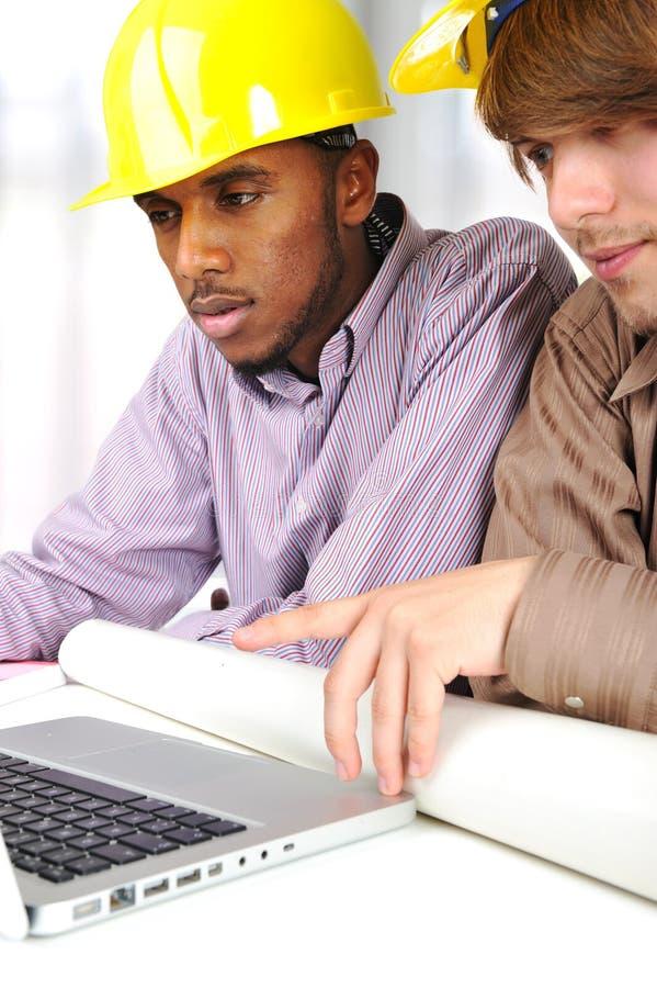 新非洲白种人的工程师 免版税库存图片