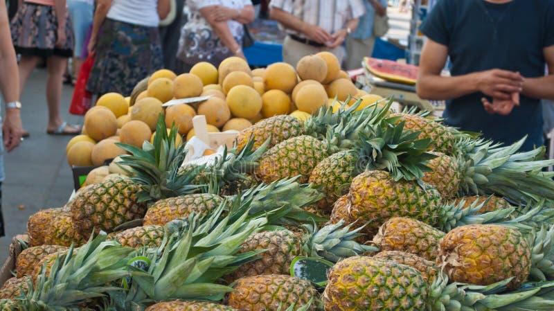 新鲜水果市场 免版税库存图片