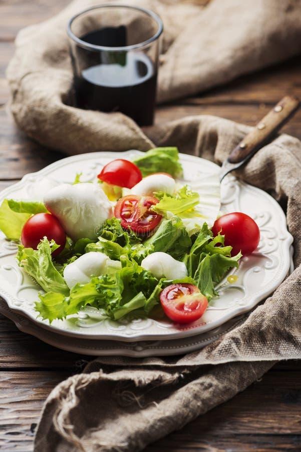 新鲜的健康沙拉 免版税库存图片