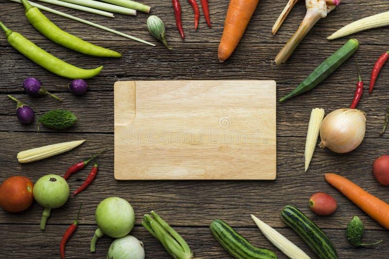 新鲜的农夫市场水果和蔬菜 库存照片