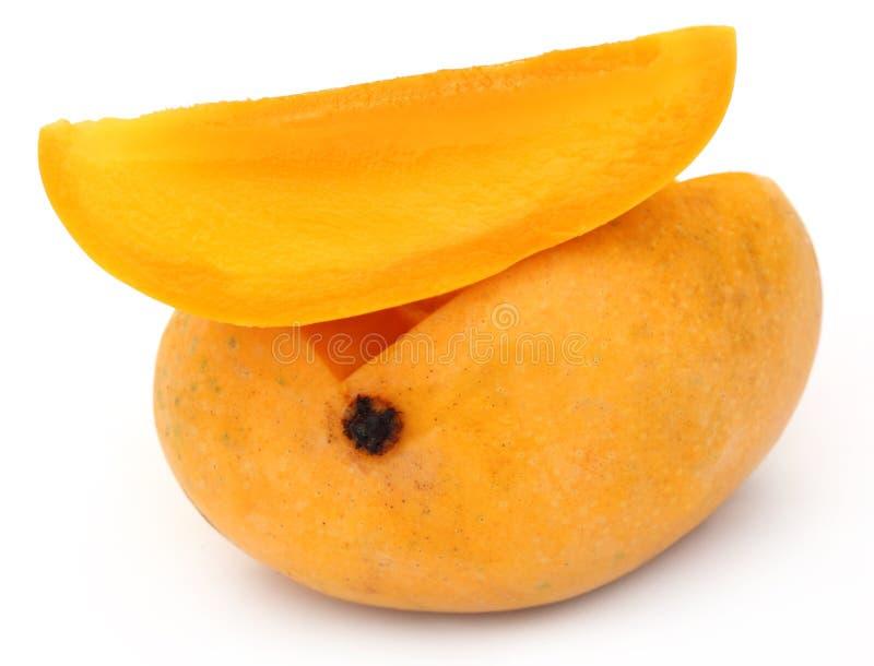 新鲜的切的芒果 免版税库存图片