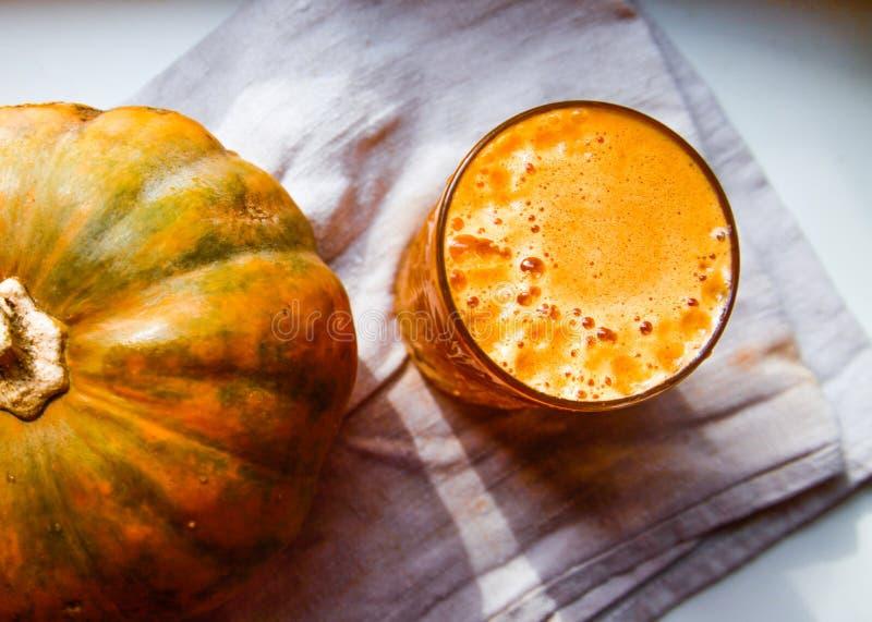 新鲜的南瓜汁 免版税图库摄影