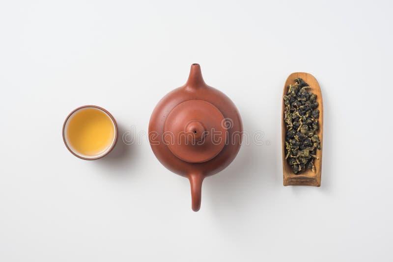 新鲜的台湾oolong茶和茶壶 免版税库存照片