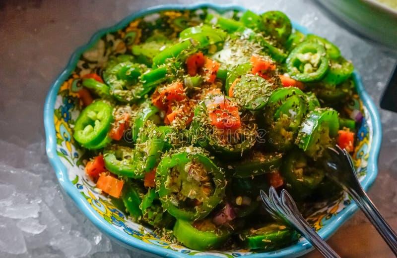 新鲜的墨西哥胡椒沙拉 库存照片