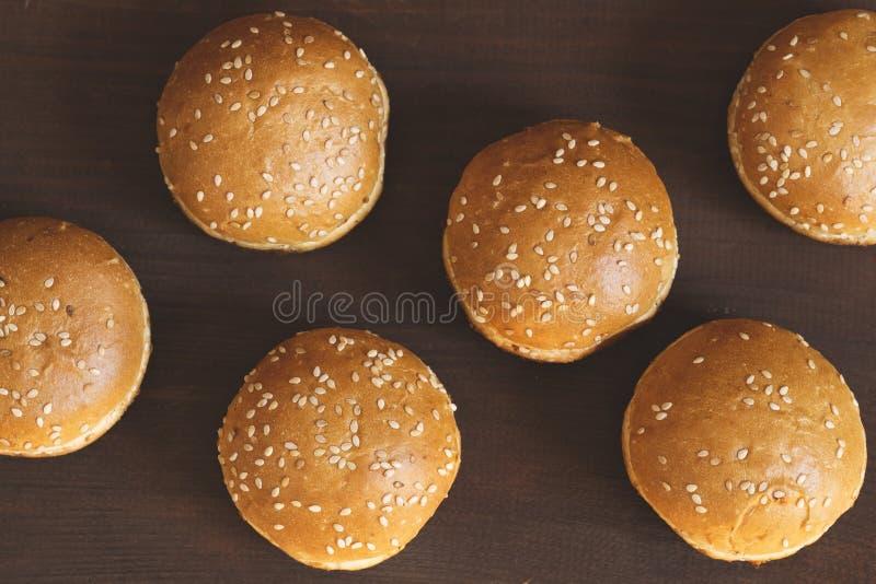 新鲜的小圆面包 免版税库存照片
