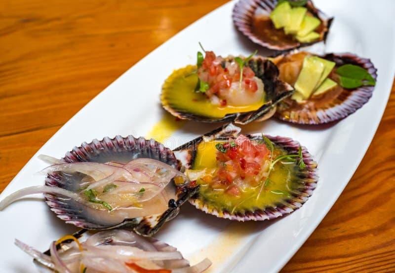 新鲜的扇贝新的秘鲁烹调样式 免版税库存照片