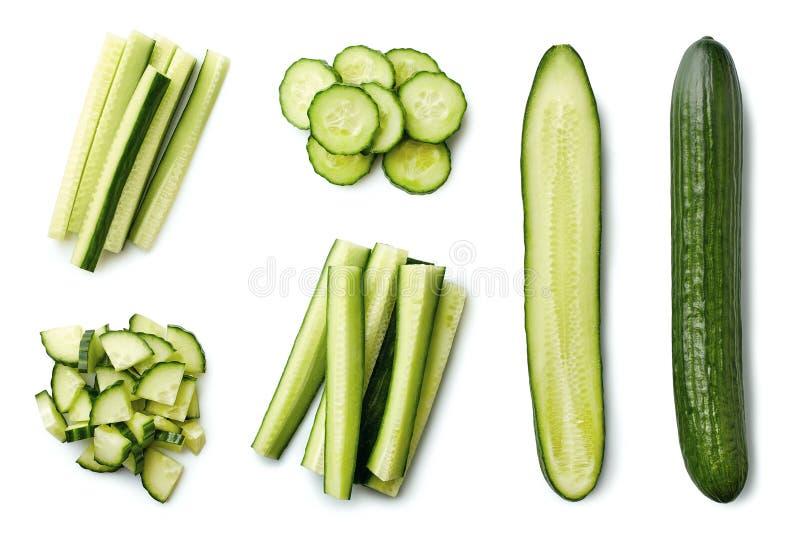 新鲜的整个和切的黄瓜 库存照片