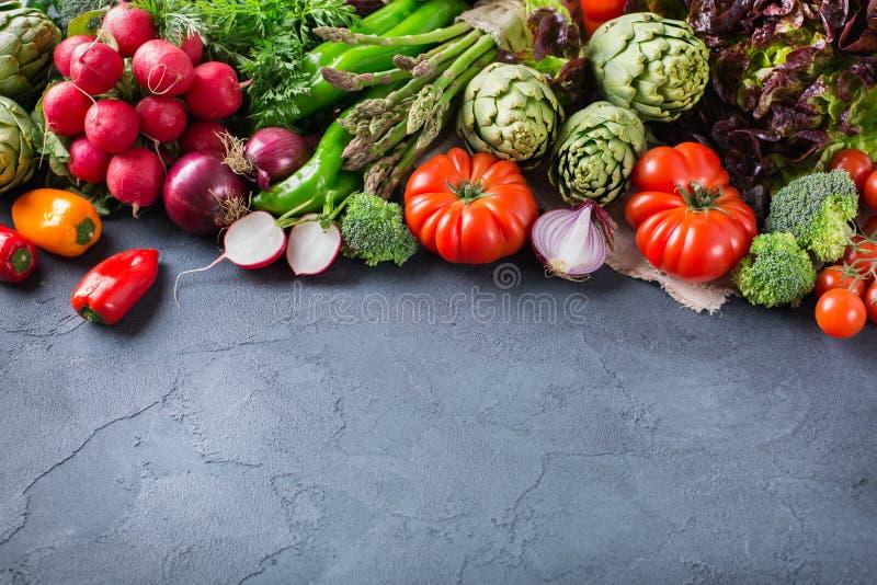 新鲜的有机农夫菜的分类 免版税库存图片