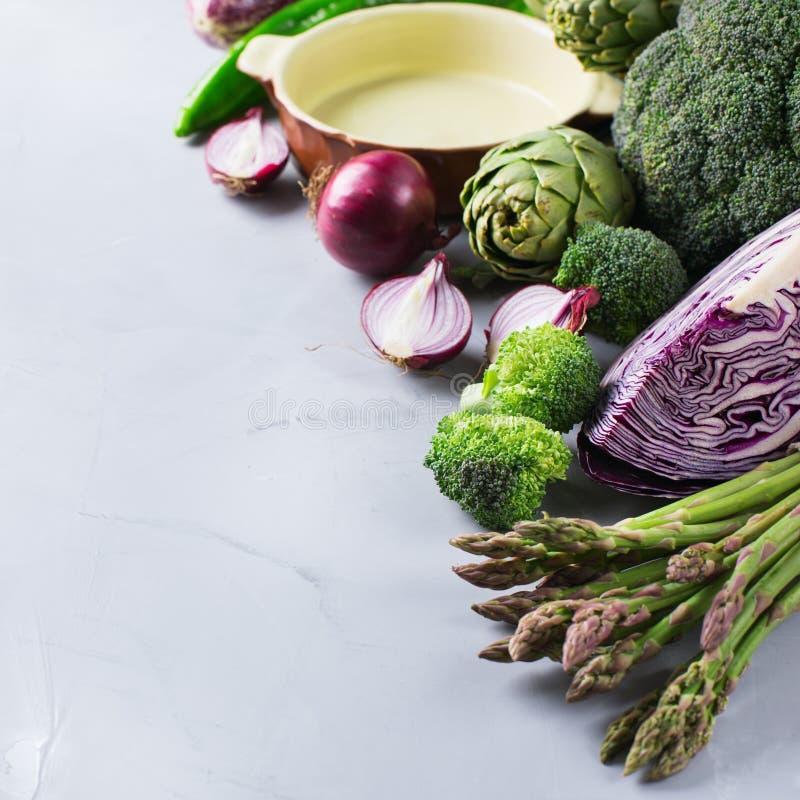 新鲜的有机农夫菜的分类 库存图片