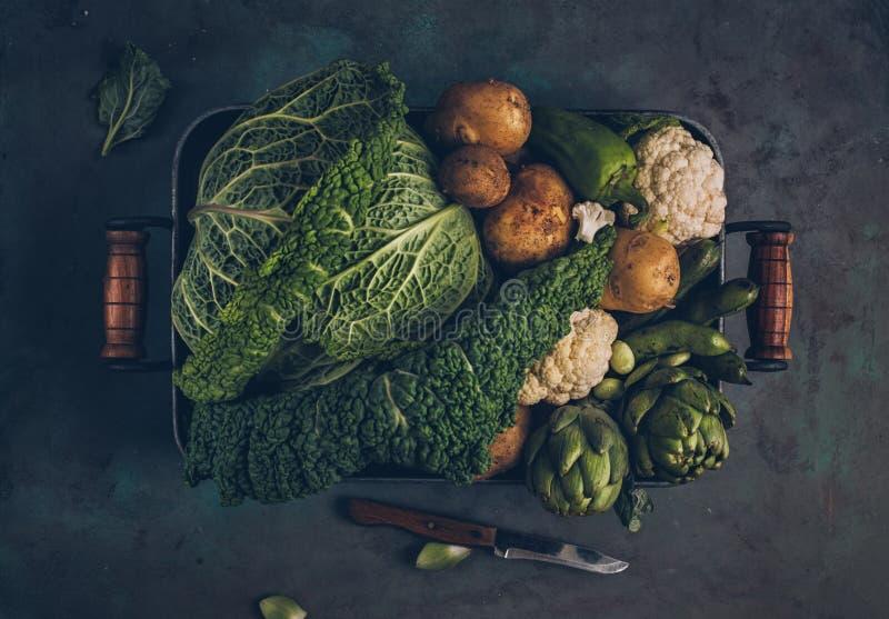 新鲜的有机未加工的蔬菜 库存图片