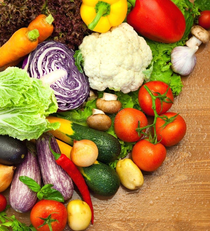 新鲜的有机蔬菜的分类 库存图片