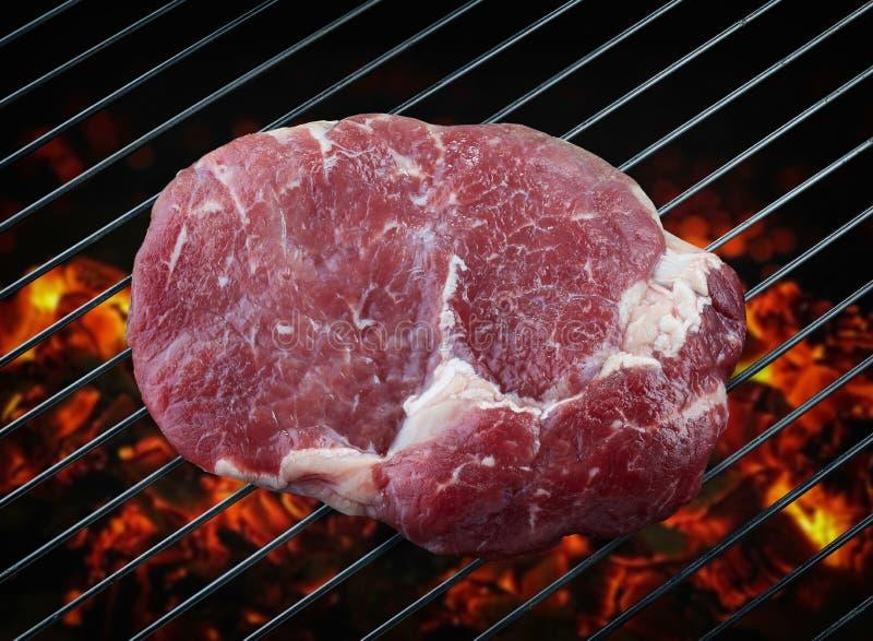新鲜的未加工的牛排肉 免版税库存图片