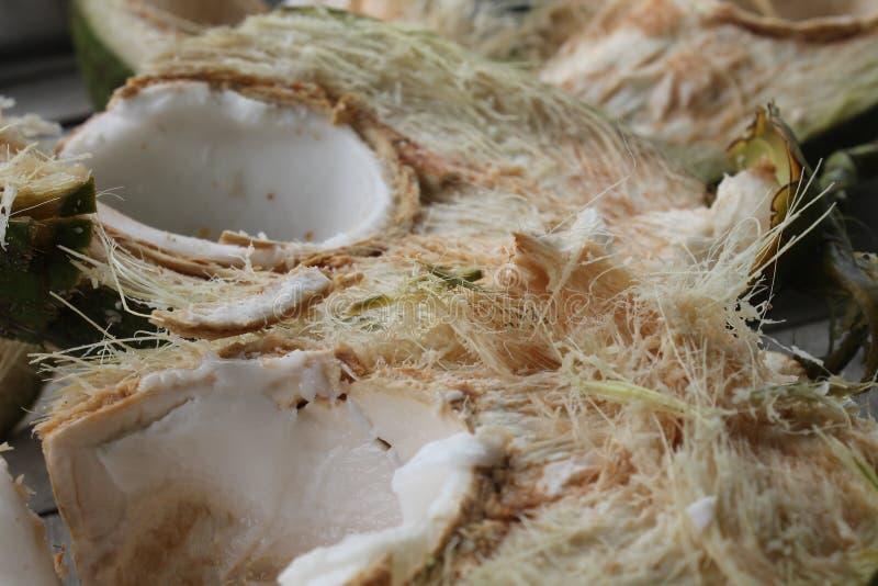 新鲜的椰子的里面 免版税库存图片