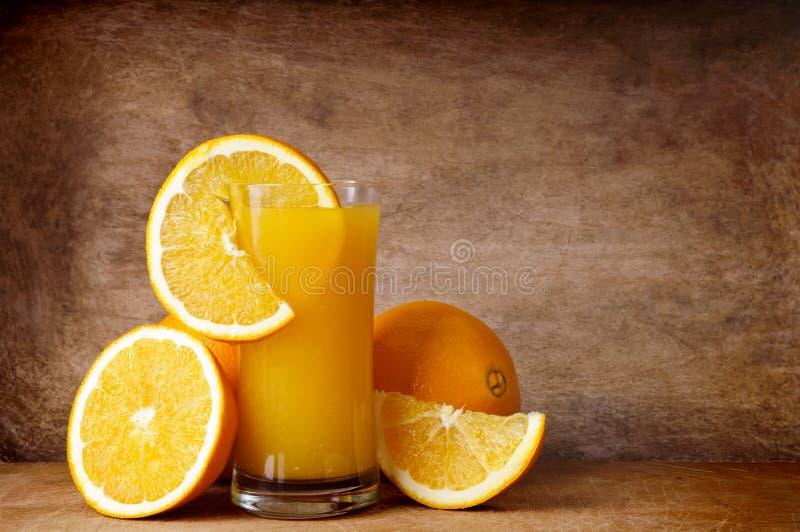 新鲜的汁液桔子 免版税库存图片