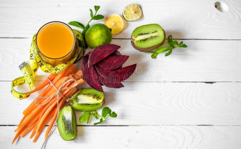 新鲜的汁液用果子 免版税库存图片