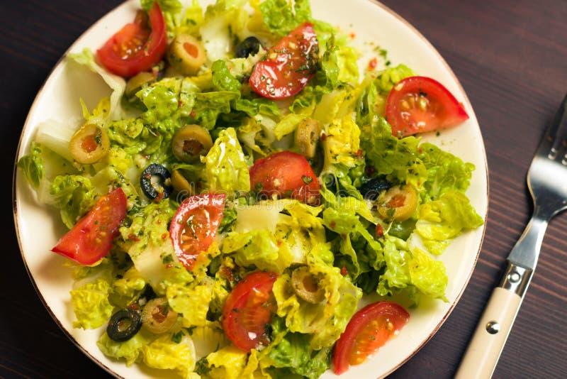 Download 新鲜的沙拉 库存照片. 图片 包括有 果子, 黄瓜, 有机, 健康, 维生素, 自然, 橄榄, 希脂乳, 正餐 - 30325994
