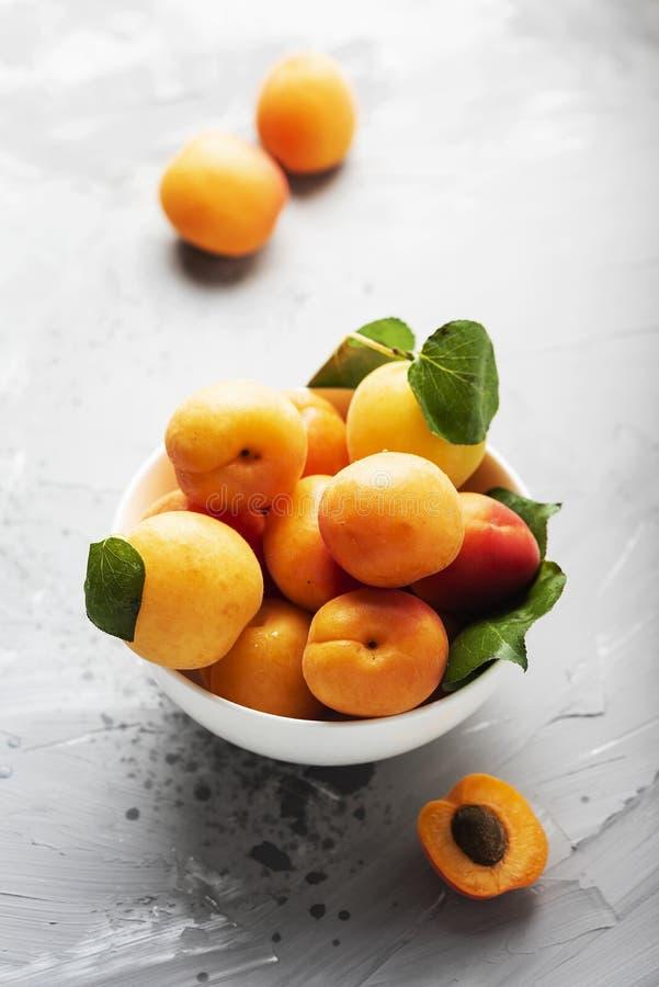 新鲜的甜杏子 库存照片