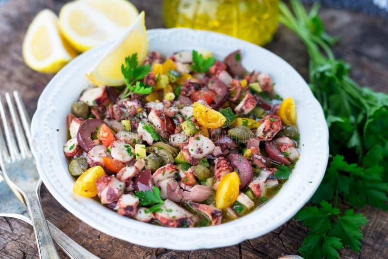 新鲜的章鱼沙拉 免版税库存图片