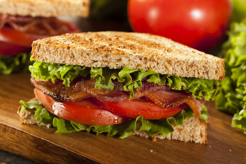 新鲜的自创BLT三明治 库存图片