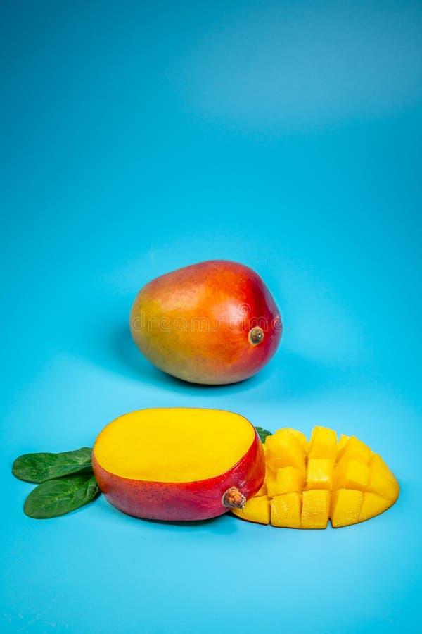 新鲜的芒果有机产品,热带水果 r r r r 库存照片