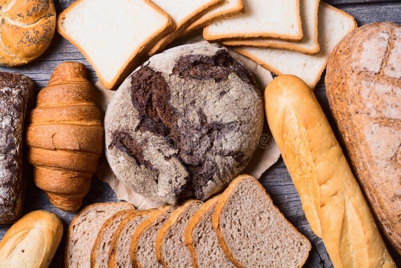 新鲜的芬芳面包 免版税库存图片