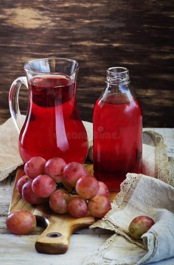新鲜的葡萄汁 免版税图库摄影