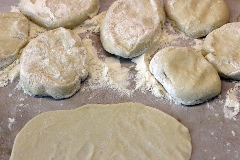 新鲜的蛋糕印地安人薄煎饼的准备 库存照片