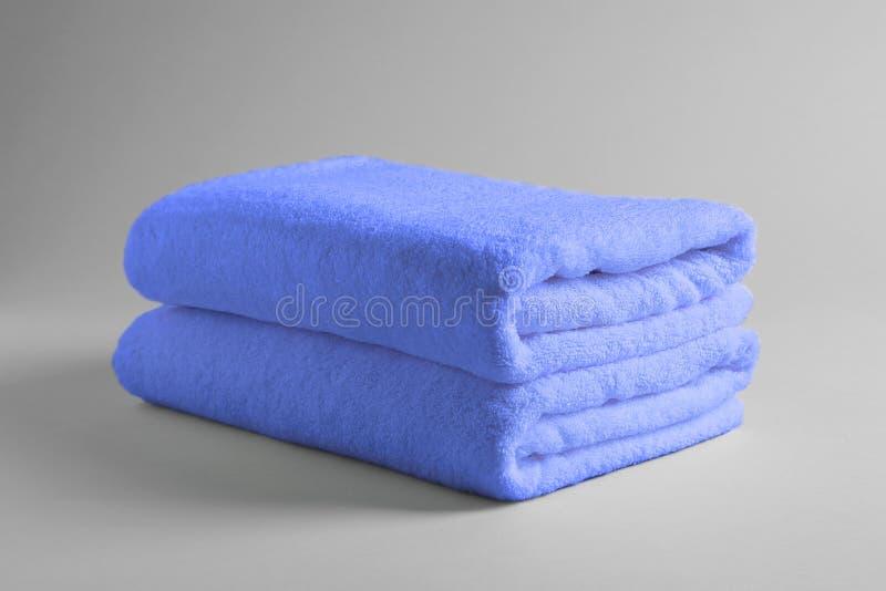 新鲜的软的被折叠的毛巾 库存图片