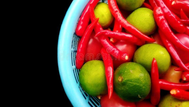 新鲜的辣椒和石灰 库存图片