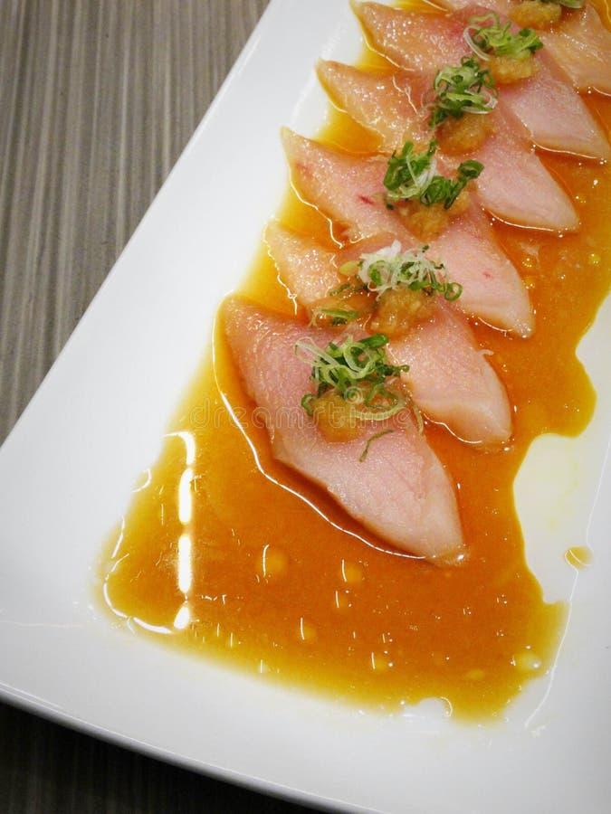 新鲜的长鳍金枪鱼用调味汁 图库摄影